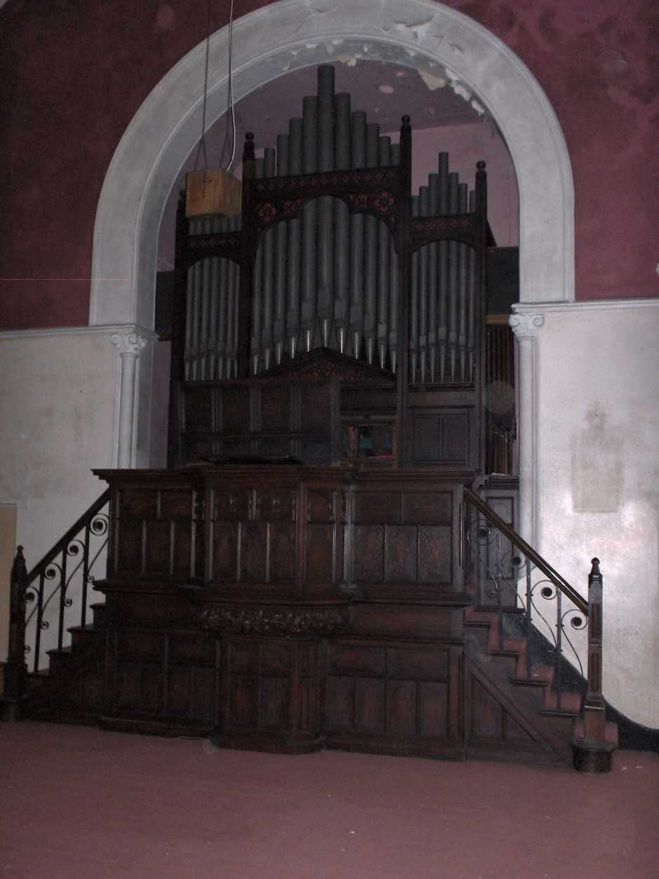 Pulpit and organ 2011